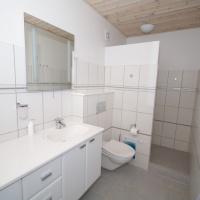 Øverste lejlighed - badeværelse